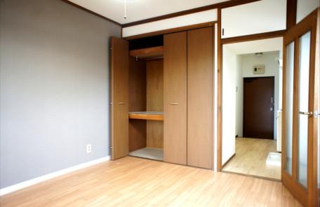 自分らしいライフスタイル実現のためにあえてフツーの部屋を コーポ岩谷